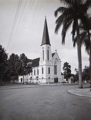 COLLECTIE TROPENMUSEUM Katholieke kerk Bandoeng TMnr 60016845.jpg